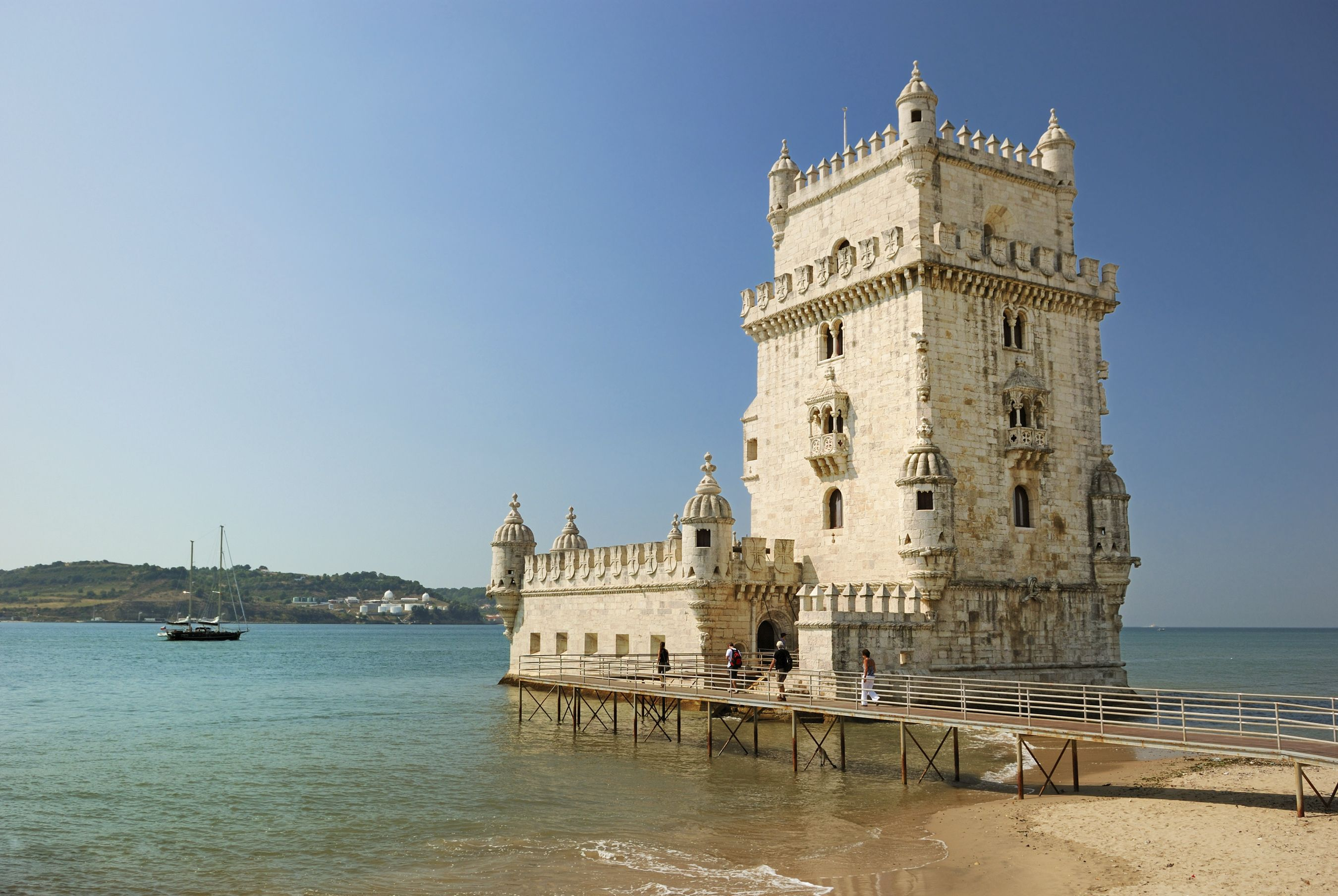 Must see attractions in lisbon bonappetour for Architecture lisbonne