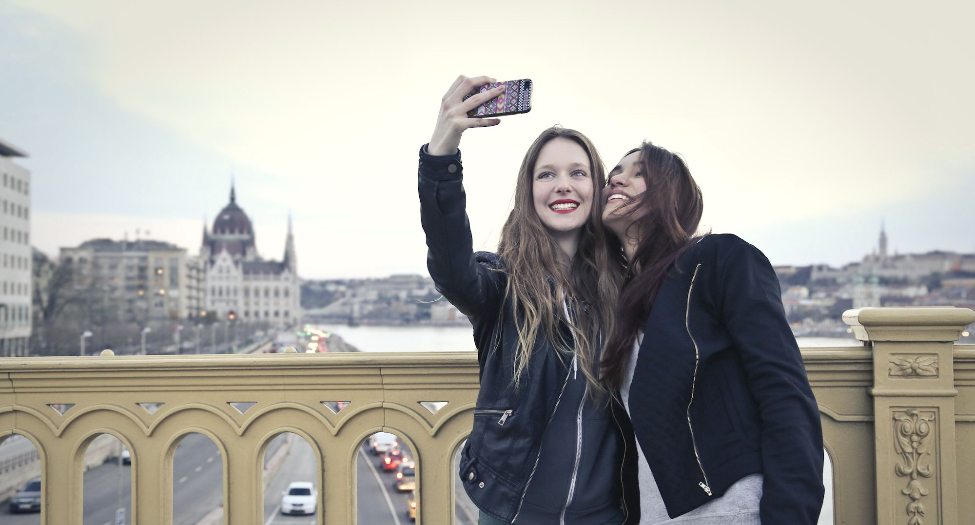 How to Take the Perfect Travel Selfie