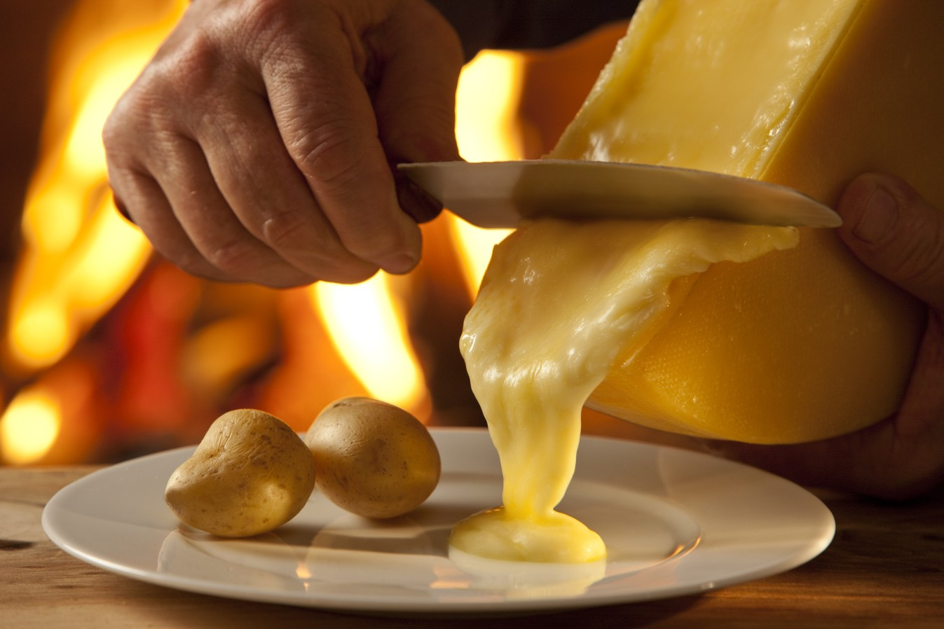 A classic Swiss experience with the Raclette in Lausanne, Switzerland | {Raclette 3}