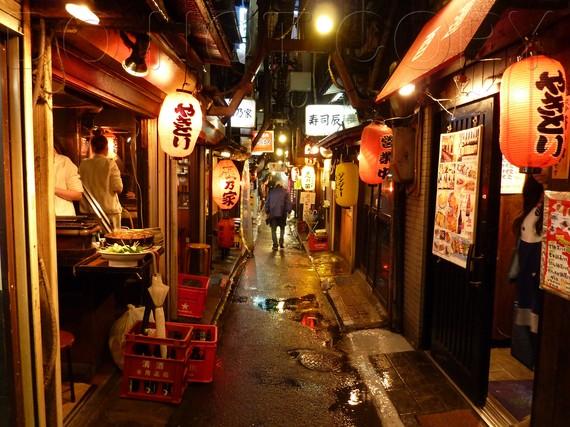 Golden Gai Food Tour Shinjuku In Tokyo Japan